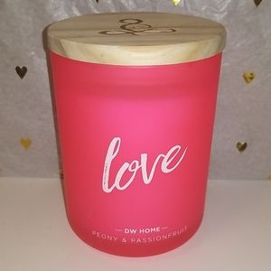 New DW HOME Love Peony & Passionfruit candle